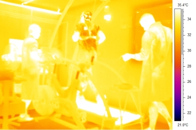 Thermal imaging of exercising in hot environmental conditions (31 degrees C 45% relative humidity)